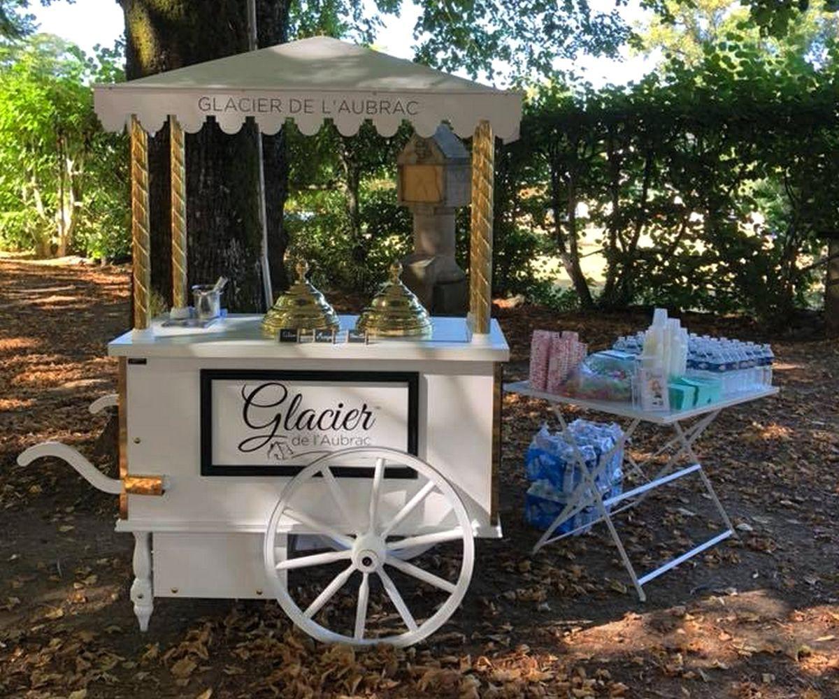 chariot-a-glaces-glacier-de-l-aubrac.jpg