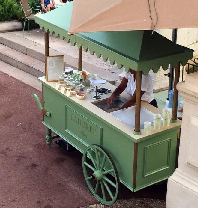 Chariot Ladurée - Monaco