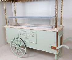 Vitrine de présentation pâtisserie - LADURÉE