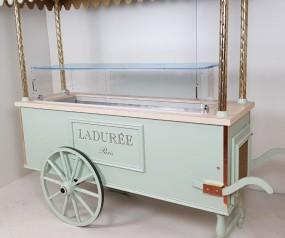 Chariot a macarons LADUREE .jpg