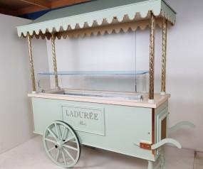 Chariot a macarons LADUREE 2.jpg